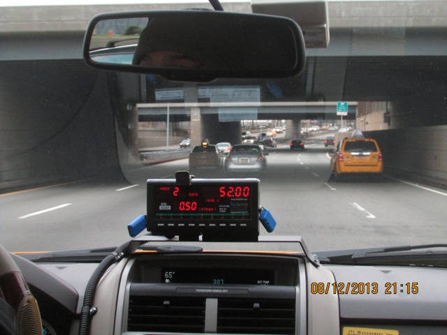 Compteur de taxi by Tjat Bass