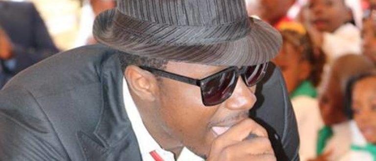 Article : Stanley Enow victime d'une agression : «Hein Père» t'a rendu riche! Tu dois partager»